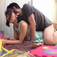 【JCレイプ動画】発達障害の中〇生少女を自宅に監禁して性欲処理ペットとして飼育する鬼畜の犯行・・・