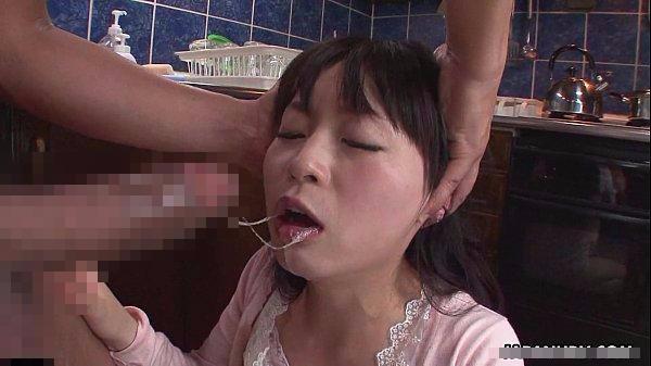 清楚系の巨乳女子大生の口からこぼれる唾液と我慢汁…頭を押さえつけるイラマチオ・レイプ!