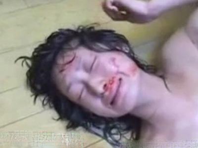 【本物レイプ】女の子をここまで殴れる奴おる?ヤバ過ぎる集団に狙われた少女の末路は・・・