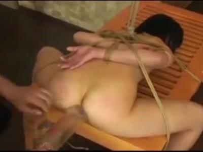 【無修正レイプ動画】清楚なJK少女を縛り付けて肛門ぶっ壊れるまで犯すアナル拷問!絶叫しながら浣腸液を逆噴射し号泣・・・