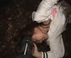 【本物レイプ動画】暗くて何も見えない・・・突然襲われ強姦してきた目の前の男以外は・・・