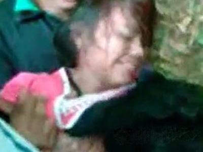 【本物レイプ動画】ガチの個人撮影映像!どうしようもない絶望感が漂う野外の強姦の様子がリアル・・・