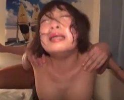 【本物レイプ動画】やだぁ!輪姦され必死で抵抗するも逃げれず涙と体液でぐっちゃぐちゃ!