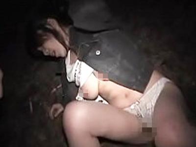 【ガチレイプ】エグすぎる拉致強姦。素人女性の服を破り暴力ふるい絶叫号泣しても強制的に子宮破壊