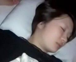 【昏睡レイプ】※無修正 美人な姉が寝てる間に個人撮影し無理やり夜這いした鬼畜な変態弟・・・・