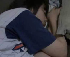 【昏睡レイプ】※無修正 宅飲み中に泥酔した女子大生を犯すヤリサー男子 無抵抗な体を弄んでいく・・・