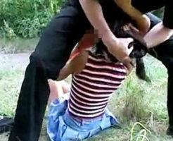 【リアルレイプ】※無修正 実際に起こった海外での事件映像!逃げ惑う洋ロリ美少女を乱暴にガチ強姦・・・