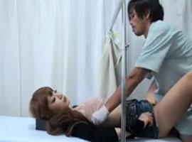 【無修正】産婦人科にやって来たギャル妻がイケメン医師にマンコを弄られ寝取られファック!></a> </div> <!--/article--> <script type=