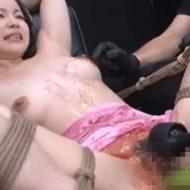 【無修正】拘束された女の子が電マやバイブでおまんこを執拗に陵辱され悶絶…