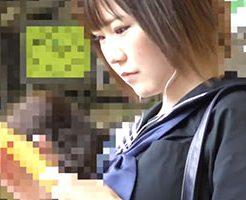 電車の中で女子高生に手マン痴漢してそのまま挿入レイプ