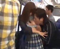 可愛いJkがバスで痴漢に強引に陵辱されて感じちゃう…