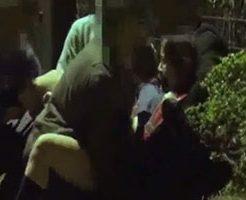 一人歩いていた女の子が男たちに襲われ抵抗虚しくヤリ捨てレイプ!